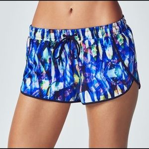 Fabletics Carrie Shorts Size XS  Reef Print